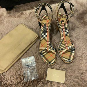 Burberry Plaid Heels Size 42/12 NEW